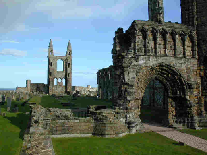 St Andrews cathedral ruins (courtesy of GNU license)